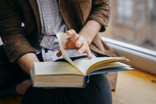 ¿Por qué hacerse el hábito de leer es una buena idea?